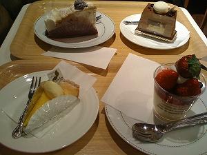チーズケーキとレアチーズ、モンブランタルト、ジャンジャンブル