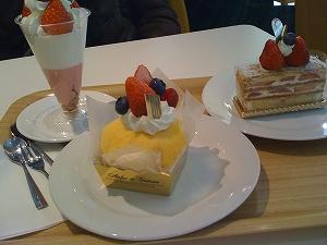 ベリ-ベリーの苺のケーキ